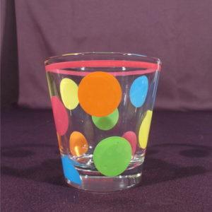 Verre à eau fantaisie à motifs de pois multicolores